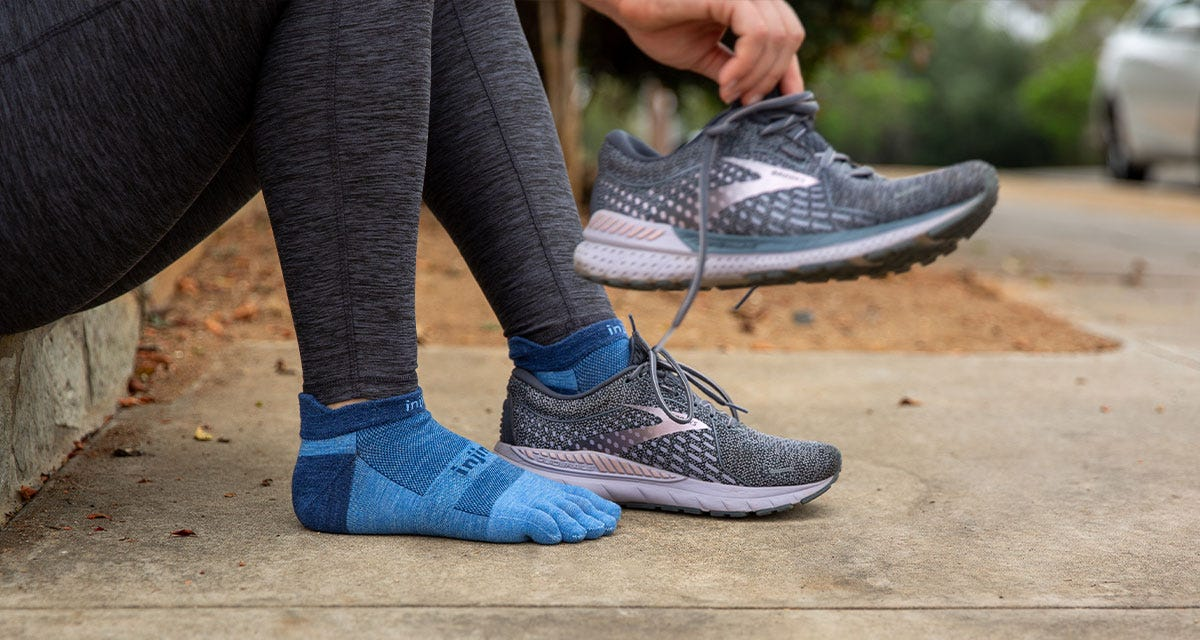 Run Lightweight No-Show NuWool Socks